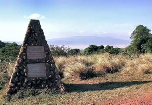 Das Michael-Grzimek-Denkmal in Tansania