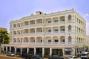 Castle Royal Hotel